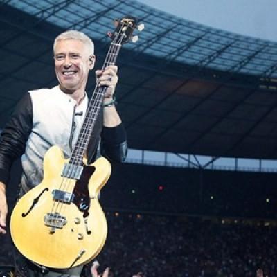 "Adam Clayton fala sobre a turnê e ""Songs of Experience"" à Rolling Stone"