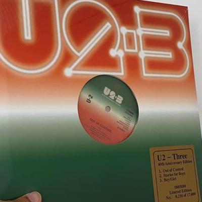 """Vinil de """"Three"""" é relançado no Record Store Day"""