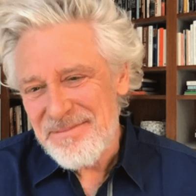 Adam fala sobre a doação do U2 e sua luta contra o alcoolismo