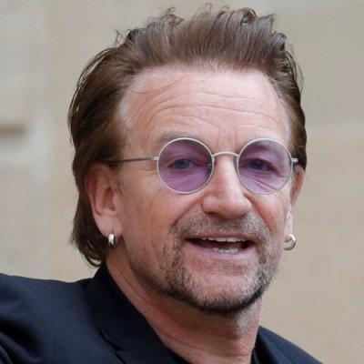 """Bono leiloa letra manuscrita de """"One"""" para ajudar no combate ao Covid-19"""
